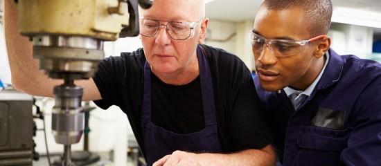 Contrat de génération: embauchez des seniors!